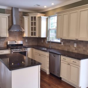 Signature Pearl 5×9 Kitchen Cabinets